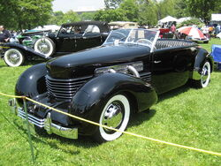 1280px-1936 Cord 810