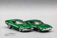 72 Ford Gran Torino Sport Premium vs Mainline-2