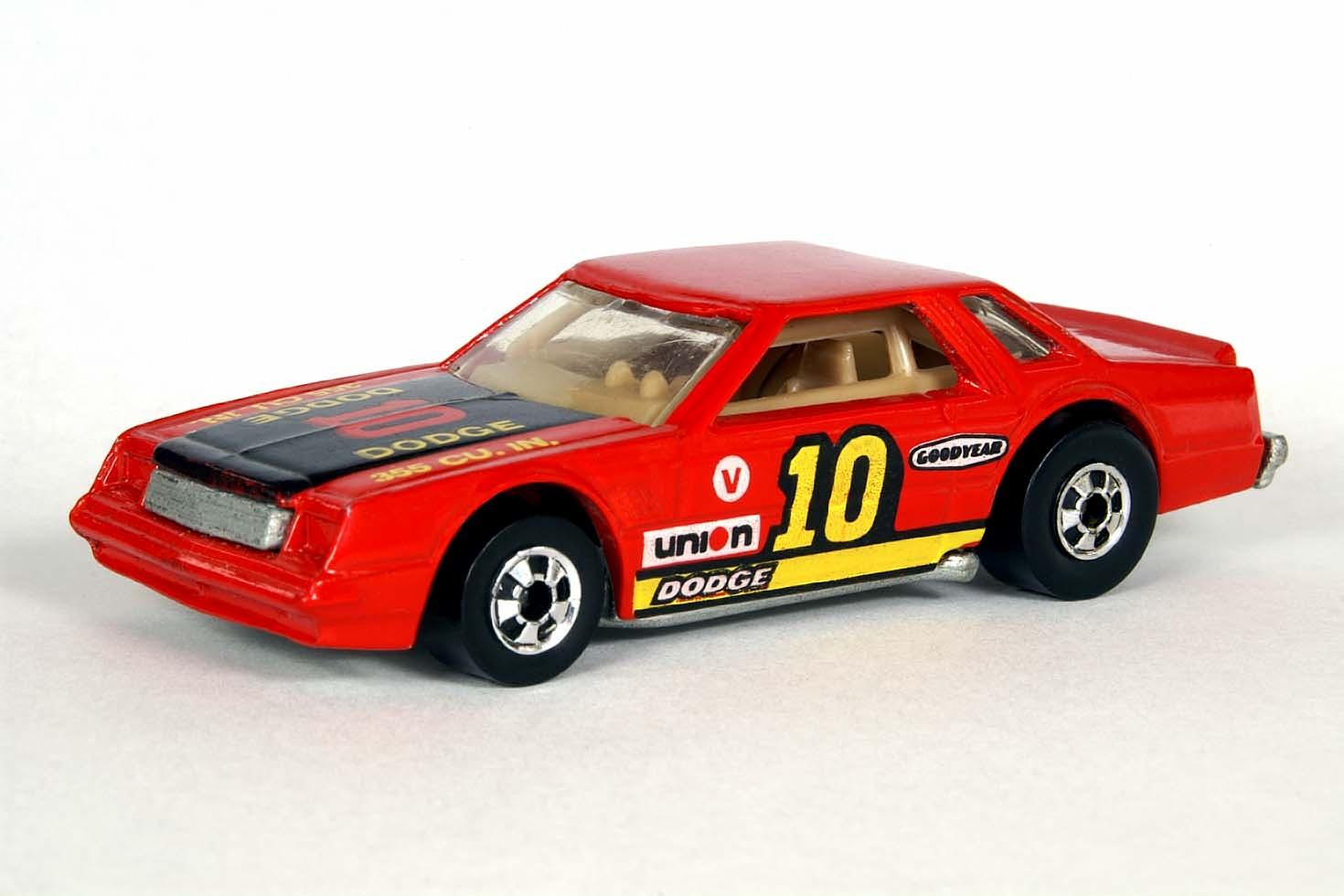 Mirada Stocker Hot Wheels Wiki Fandom Powered By Wikia 1980 Dodge Interior
