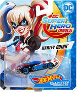 DXN52 Harley Quinn package front