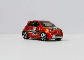2019 Hot Wheels Fiat 500 id