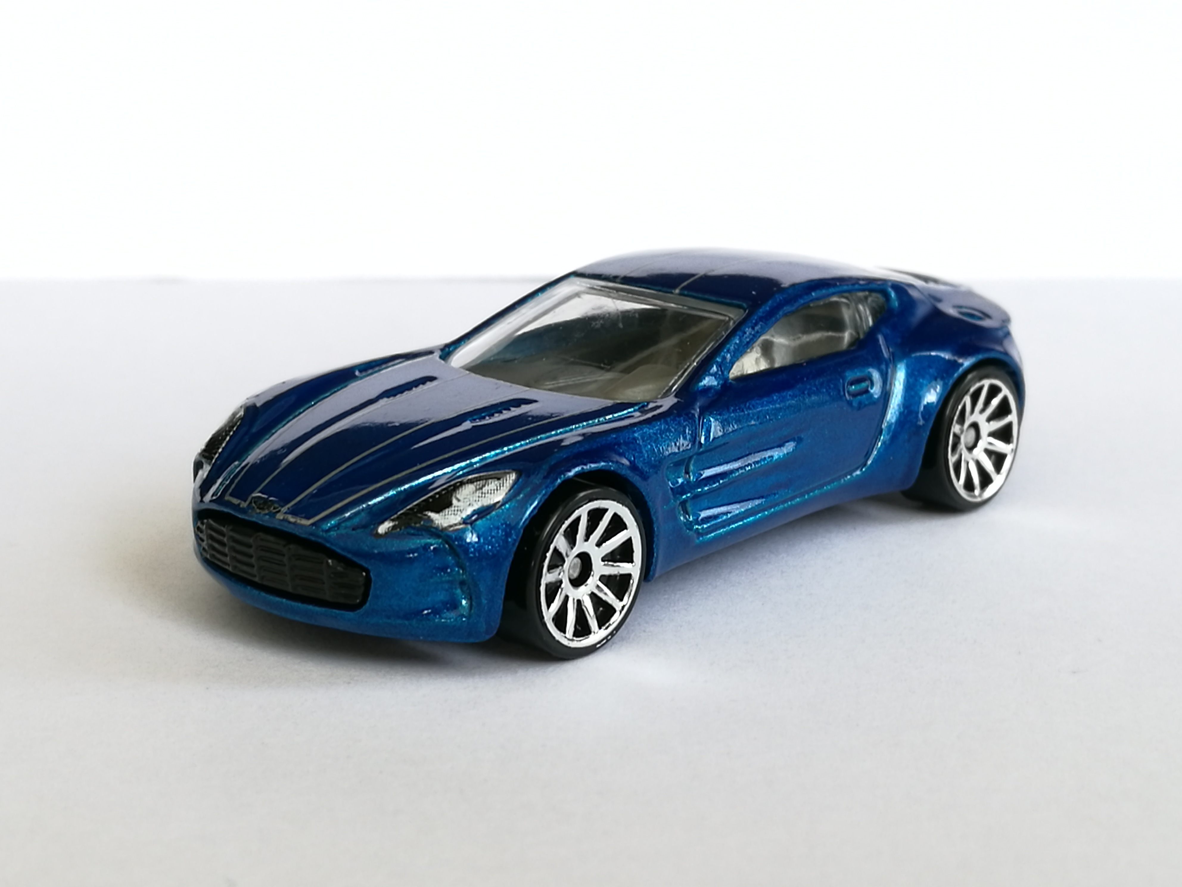 Hot Wheels 2018 117 365 Aston Martin One 77 Green Hw Exotics Contemporary Manufacture Diecast Cars Trucks Vans