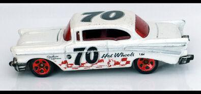 57' Chevy (1062) HW L1040115
