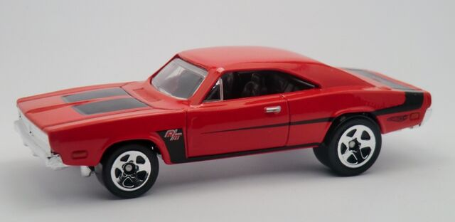 File:'69 Dodge Charger-2013 223.jpg