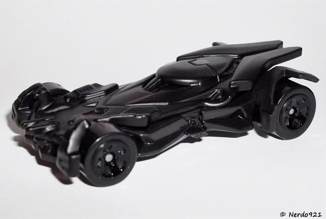 Black Version 2016 Hot Wheels BATMAN 3//5 The Dark Knight Batmobile 228//250