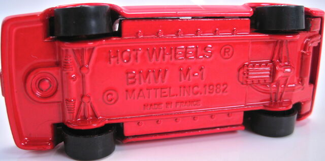 File:BMW M1 red france bottom.JPG