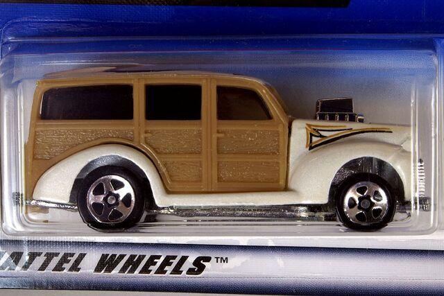 File:1998 '40's Woodie - 5986cf.jpg