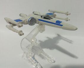 Resistance X-Wing Fighter (CLJ71) 01