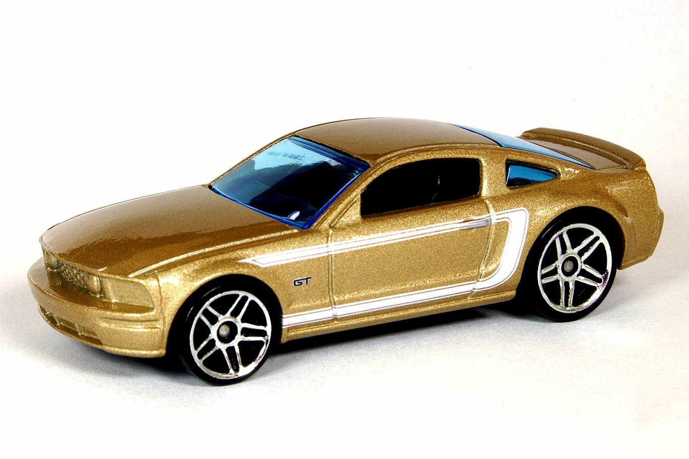 YELLOW FORD MUSTANG GT J5840 HOT WHEELS 2005 FIRST EDITIONS
