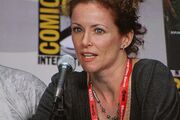 Leslie Hope at Comic-Con 2011