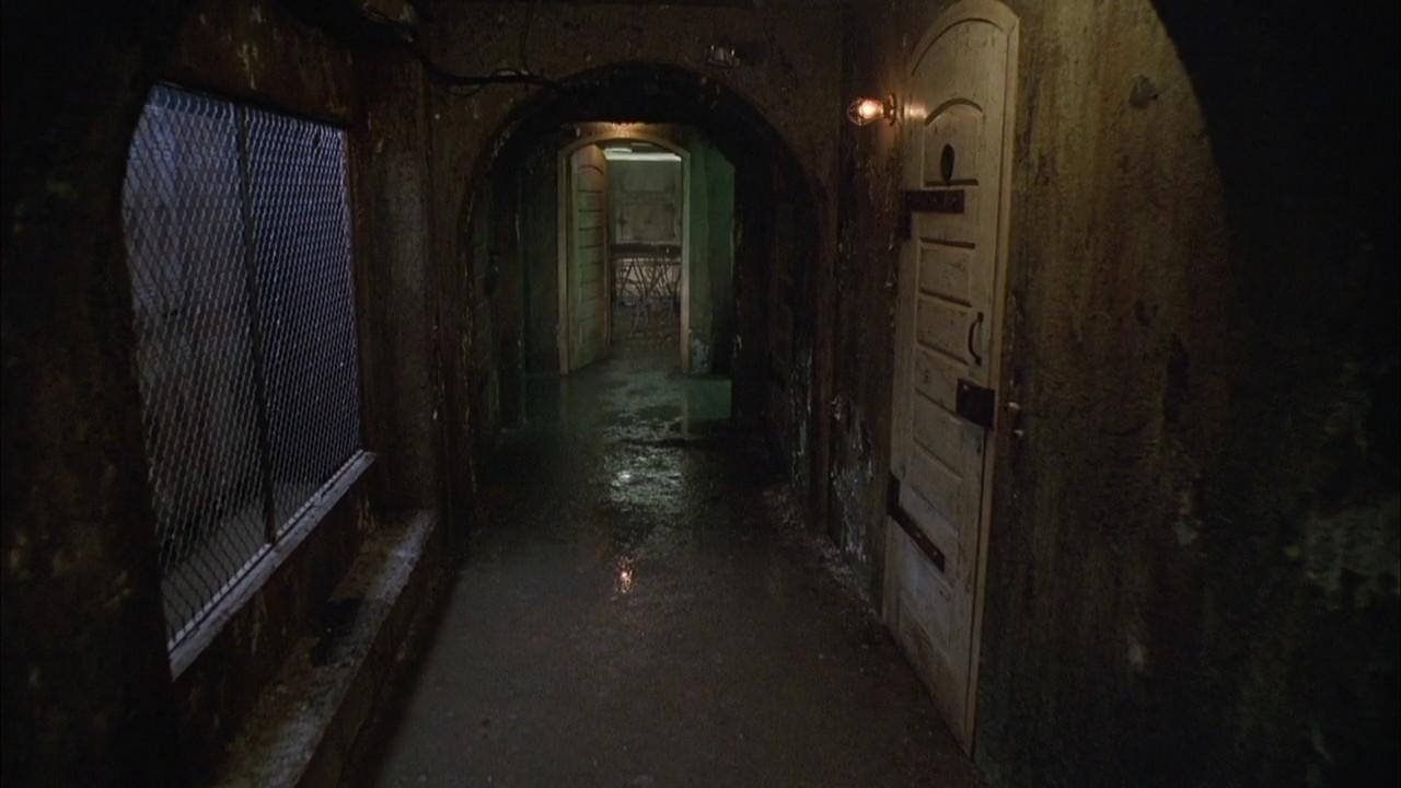 Image Asylumcorridor Jpg House On Haunted Hill Wiki