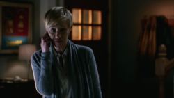 Bon-Annalise-phone-601