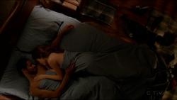 Waurel-in-bed-307