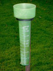 450px-Regenmesser