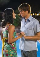 Troy-and-Gabriella-3-high-school-musical-2-28243233-445-627