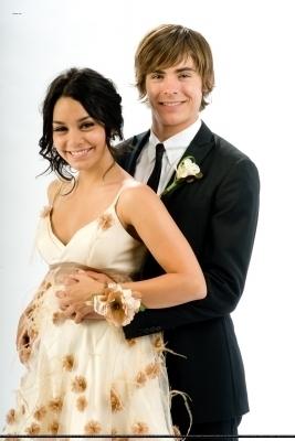 Troy And Gabriella High School Musical 3 11418645