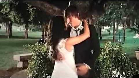 HIGH SCHOOL MUSICAL 3 TROY & GABRIELLA KISSING SCENE HIGH QUALITY-0