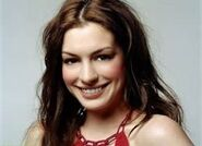 Anne Hathaway smiled