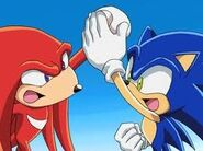 Sonic and Knuckles high five