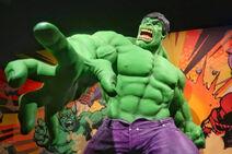 Incredible-Hulk-at-Marvel-Universe-of-Superhero-Exhibit-640x427