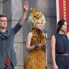 Effie moissonnant Katniss & Peeta pour L'Expiation