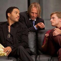 Haymitch avec Peeta et Cinna
