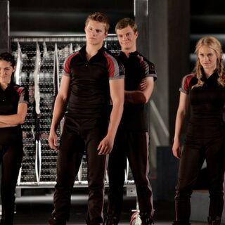 Glimmer et les autres carrières, Cato, Clove et Marvel
