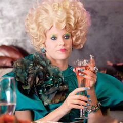 Effie lors d'un repas au Capitole