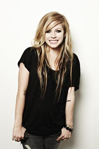 File:Avrillavigne press 1.jpg