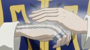 Kurapika cadenas en su mano