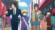 Kiriko Leorio y Kurapika recorren la ciudad