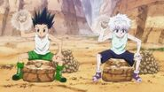 Gon Killua smashing rocks
