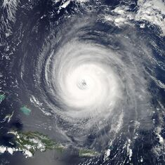 Hurricane isabel2 2003
