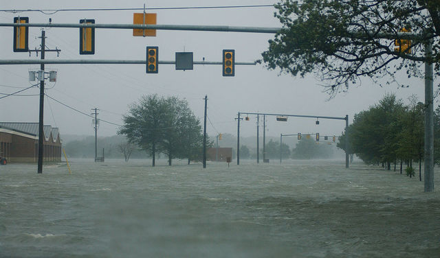 File:Hurricane Isabel flood water.jpg