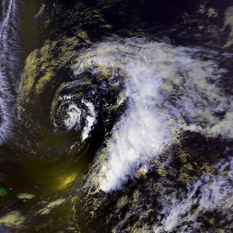 File:Subtropical Storm One 22 apr 1992 1834Z.jpg