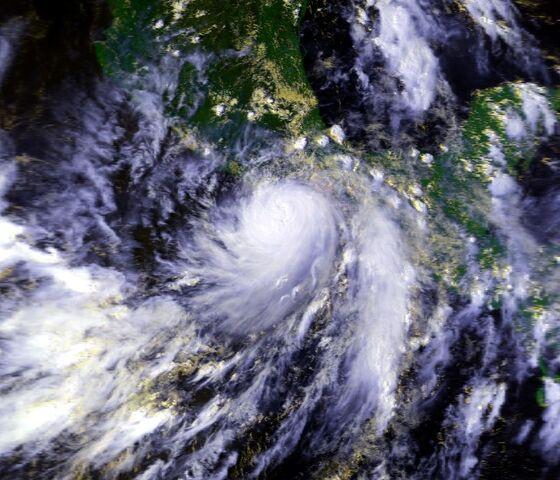 File:Hurricane Pauline 08 oct 1997 1849Z.jpg