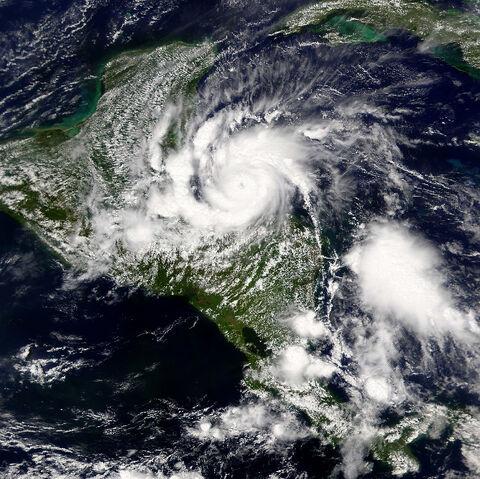 File:2001 Hurricane Iris.jpg