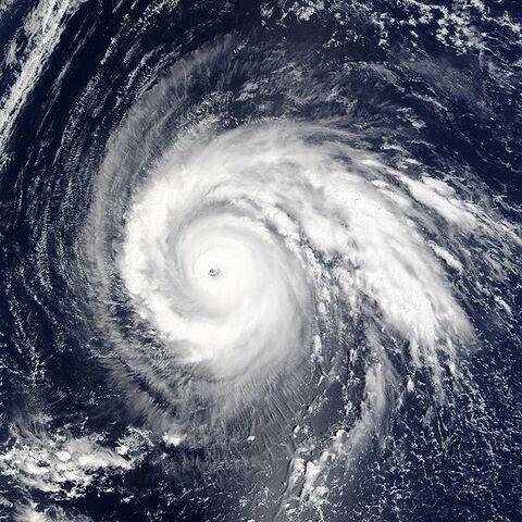File:Super Typhoon Higos 2002.jpg