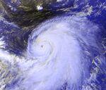 Typhoon Kirogi 05 july 2000 0732Z.jpg