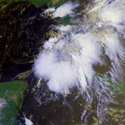 File:Tropical Depression One 25 june 1992 1329Z.jpg