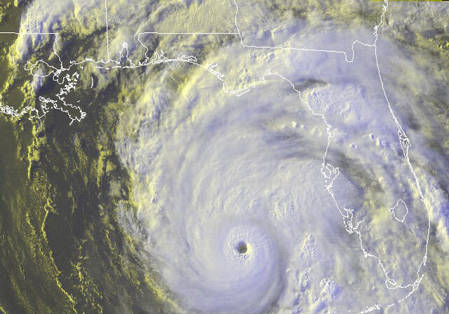 File:Hurricane Dennis 7-9-2005 2315 UTC.jpg
