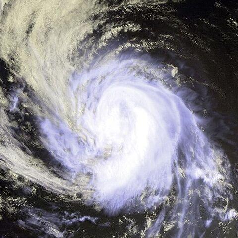 File:Hurricane Gilma 2000.jpg