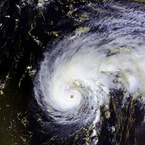 File:Hurricane Felix 13 sept 2001 1703Z.jpg