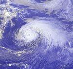 Typhoon Ewiniar 15 aug 2000 0632Z.jpg