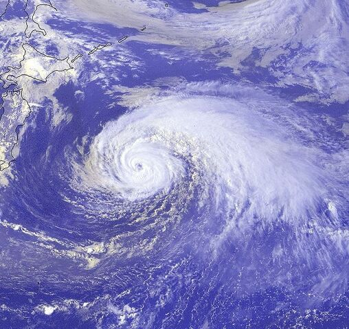 File:Typhoon Ewiniar 15 aug 2000 0632Z.jpg