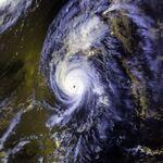 Hurricane Iniki 11 sept 1992 2358Z.jpg