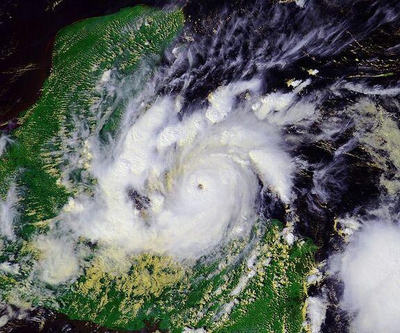 File:Hurricane Iris 08 oct 2001 1922Z.jpg
