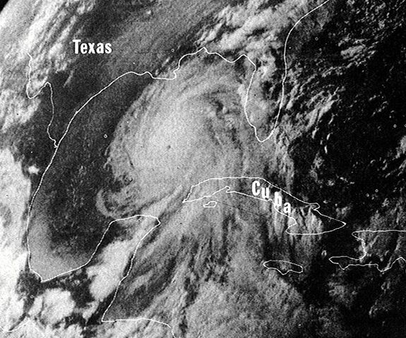 File:Hurricane Camille 16 aug 1969 2340Z.jpg