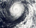 Typhoon Man-Yi 06 aug 2001 0100Z.jpg