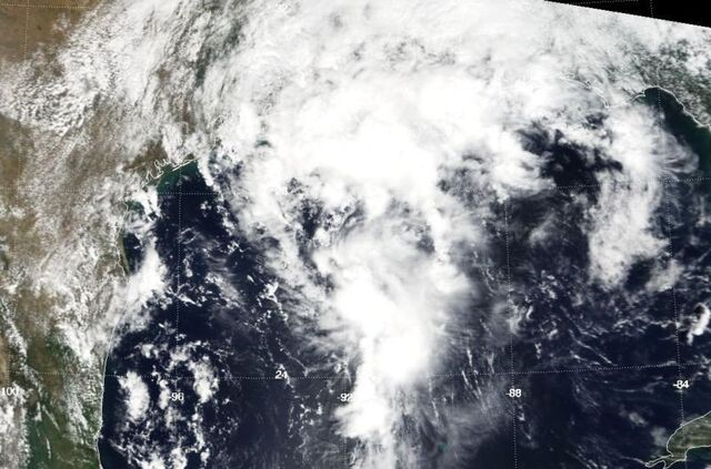 File:Tropical Depression Nine (2000).JPG